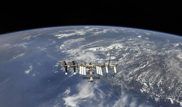 Наснимках соспутника намаршруте поставок нефти была обнаружена военная авиабаза