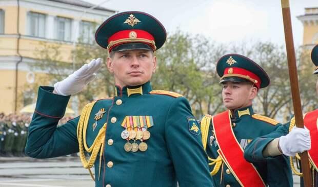 Дождь иветер непомешали провести Парад Победы вСтаврополе