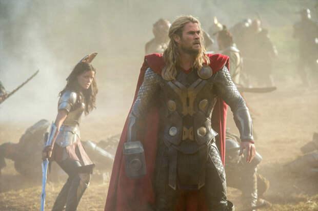 Кадр из фильма «Тор 2: Царство тьмы»