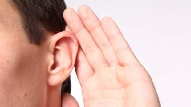 Шум в ушах может сигнализировать о нехватке витамина B12