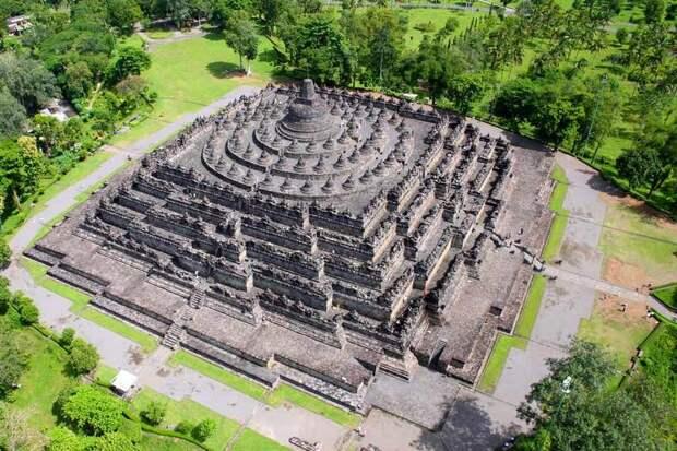 10 древнейших сооружений, над загадками которых человечество продолжает ломать голову