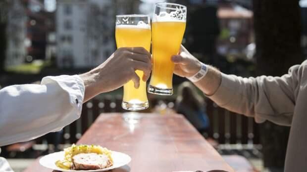 В этих районах Баварии с понедельника откроются пивные сады и кафе