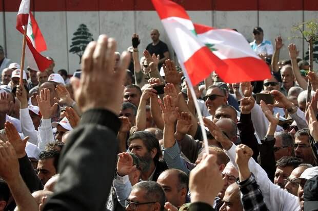 Катастрофическая нехватка медикаментов привела к забастовкам в Ливане