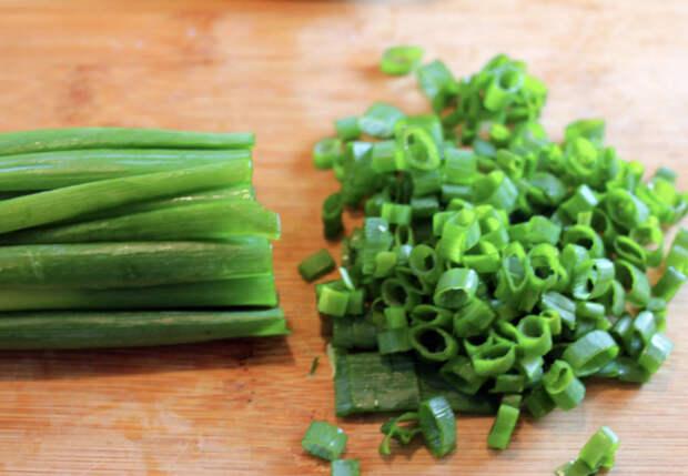 Заготавливаем зеленый лук без сушки и заморозки: пересыпаем солью