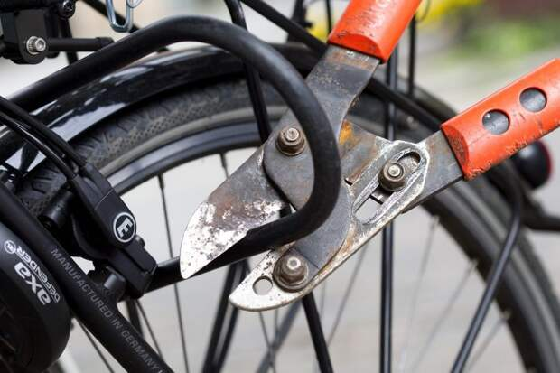 Кража велосипеда: кто возместит потерю?