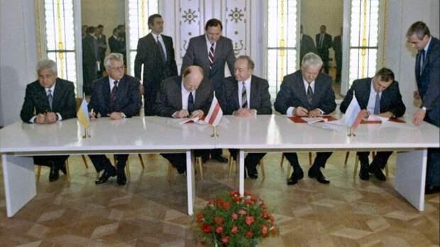 Как Горбачев в 90-е годы создавал Союз Советских Суверенных Республик