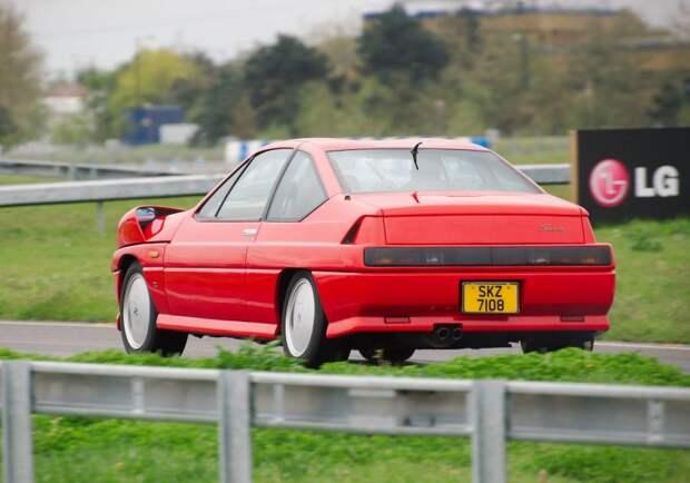 Считается, что некоторые не слишком красивые автомобили выглядят значительно лучше в движении. Что ж, похоже, к Autech Zagato Stelvio это утверждение не относится… jdm, nissan, zagato, авто, автодизайн, дизайн, прототип, спорткар