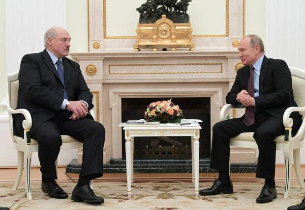 Лукашенко хочет занять у России еще 100 млрд рублей