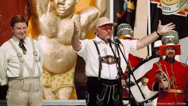 17 июля 1999 года Юрий Лужков открыл в Лужниках первый Большой московский фестиваль пива СССР, прошлое, фото
