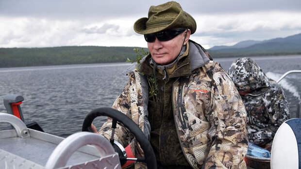 Песков заявил, что Путин не будет брать полноценный летний отпуск