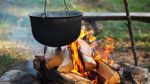 Один маленький секрет, и не придется оттирать посуду целый час. /Фото: divomix.com