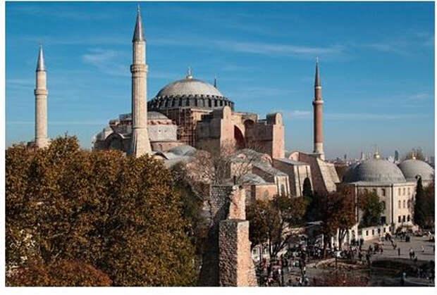 Турция ослабит ограничения по коронавирусу