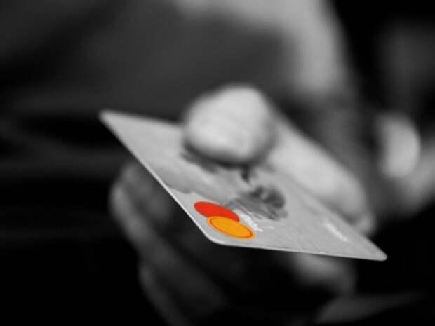 Российским банкам решили запретить предоставлять «недружественным странам» информацию о клиентах