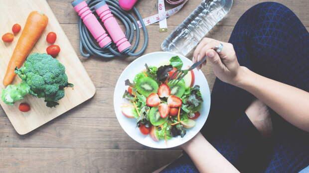Как снизить уровень холестерина без лекарств, рассказала диетолог