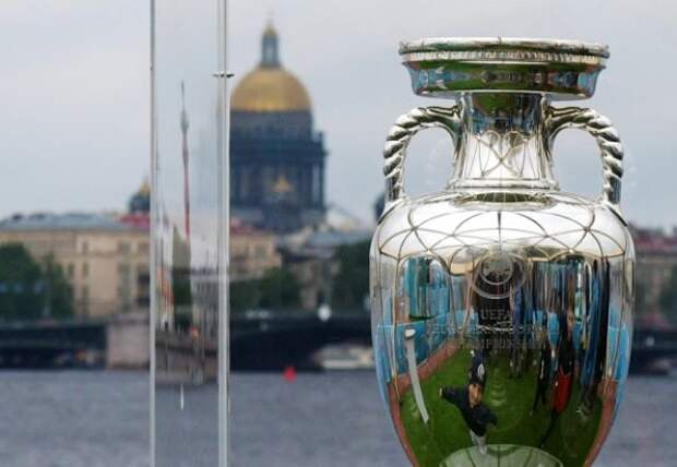 Минцифры объявило безвизовый въезд в РФ по паспорту болельщика