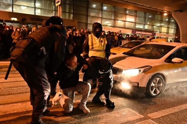 РКН потребовал от TikTok удалить призывы к участию детей в протестах