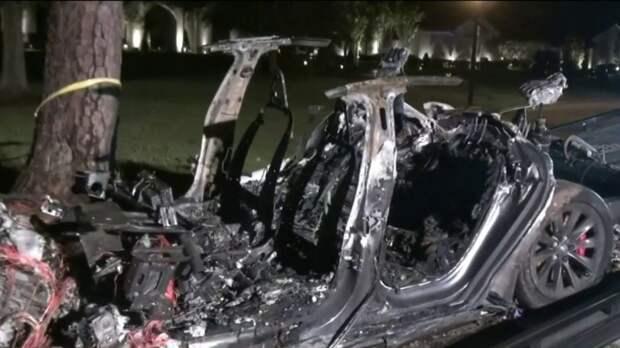Смертельное ДТП показало неспособность автопилота Tesla контролировать водителя