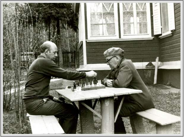 Минобороны опубликовало редкие фотографии советских полководцев ВОВ
