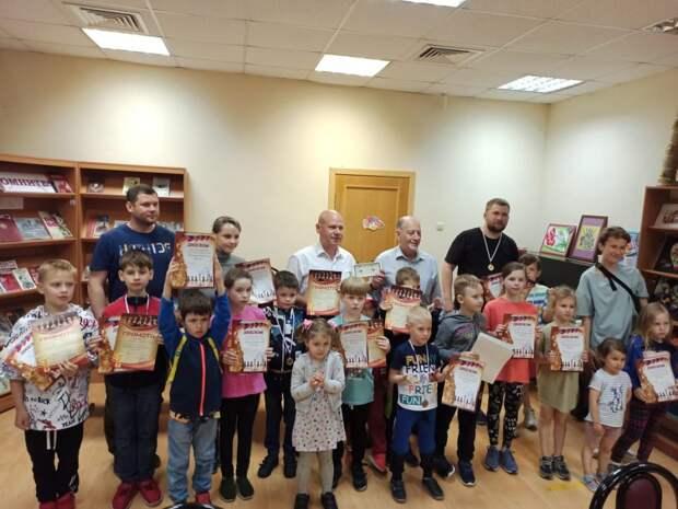 Турнир в Северном определил лучших юных и взрослых шахматистов