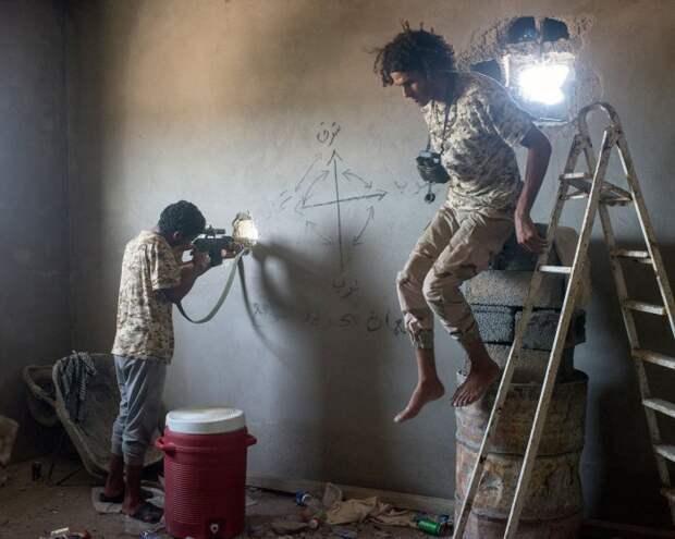 Ливийский снайпер и корректировщик