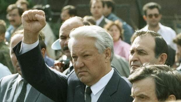 Руцкой рассказал о попытке арестовать Ельцина после распада СССР