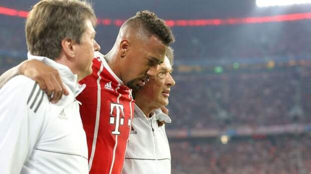Совет директоров «Баварии» принял решение не продлевать контракт Боатенга. Летом игрок покинет клуб
