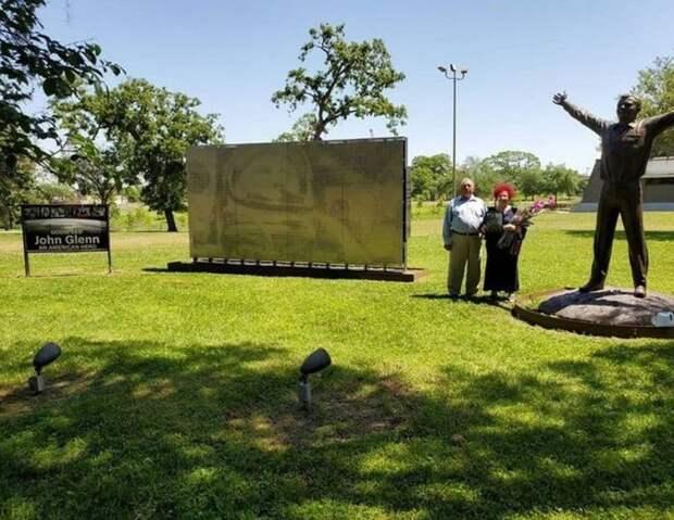 Россиянка добилась установки памятника Гагарину возле центра НАСА вСША