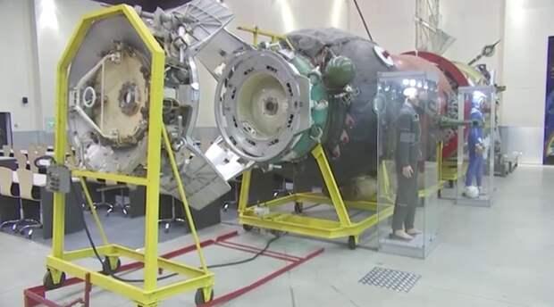Военная академия РВСН показала на видео уникальные образцы космических аппаратов