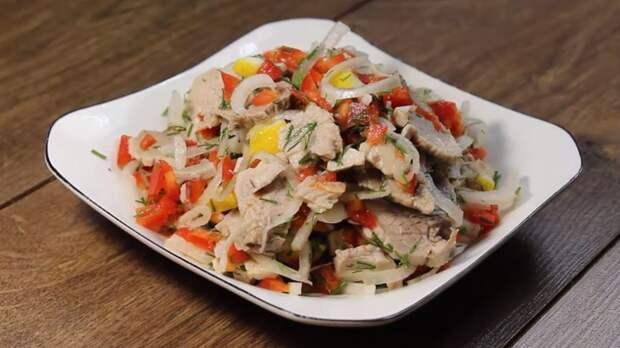 Какой салат лучше шашлыка и исчезает со стола моментально: рецепт