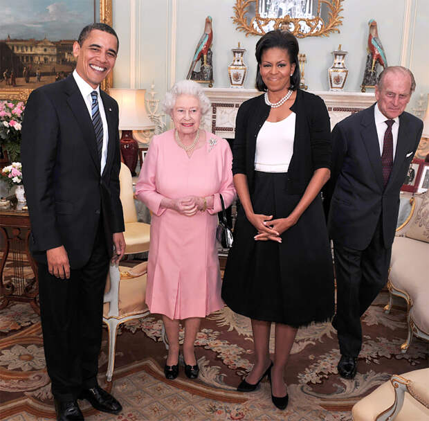 Mishel_Obama_i_koroleva__01_Mainstyle.jpg