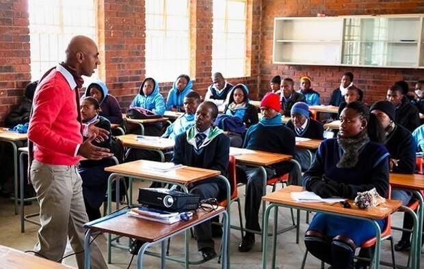 Быть начеку, копить на школу и молиться: как устроено образование в ЮАР