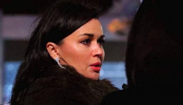 Актриса Воянская высказалась о причине появления рака у Заворотнюк