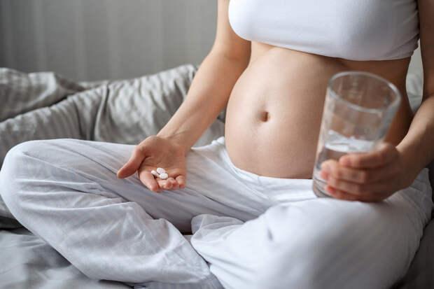 Первый триместр беременности: утренняя тошнота и что с ней делать