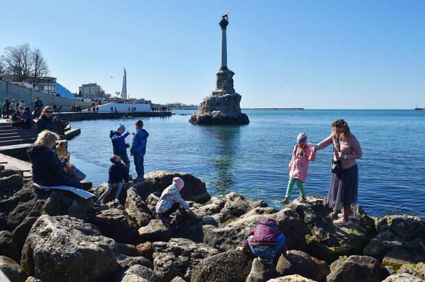 Меньше Крыма для Минфина: На кого работает Силуанов