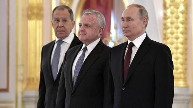 Посол США отреагировал на совет Лаврова покинуть Россию
