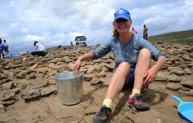 Самые красивые девушки отечественной археологии.