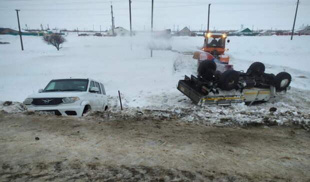 ВКурманаевском районе грузовик ГАЗ -3034 столкнулся свнедорожником УАЗ