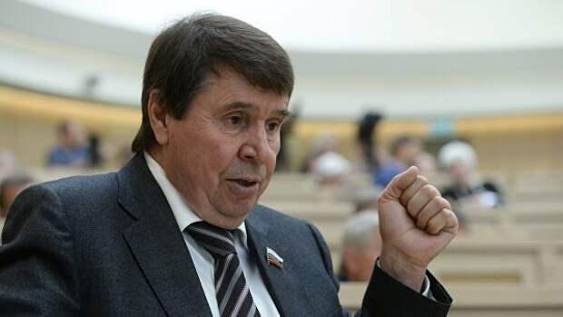 """Сенатор назвал слова Порошенко о """"шансе"""" вернуть Крым дилетантством"""