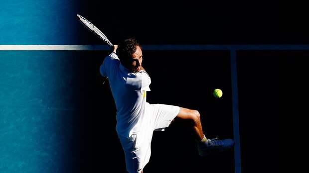 Медведев в трех сетах победил Рублева и вышел в полуфинал Australian Open