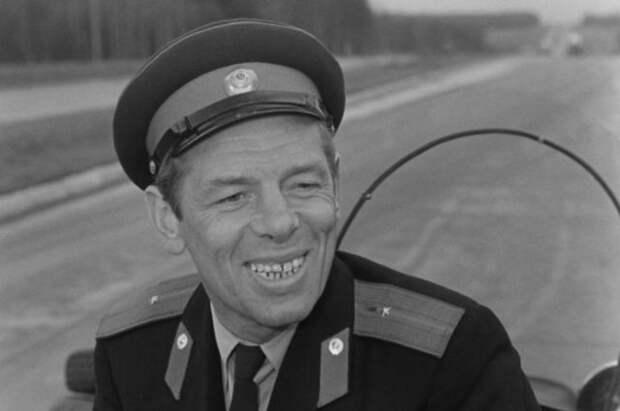 «Ты удираешь, а я догоняю». 5 известных ролей Георгия Жжёнова