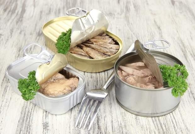 В рыбных консервах сохраняются питательные вещества после обработки. / Фото: poleznii-site.ru