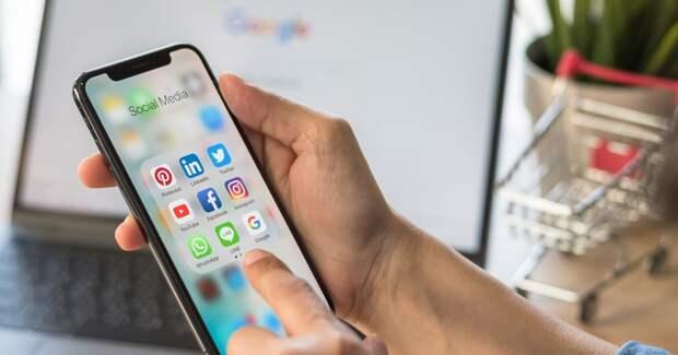 Роскомнадзор оштрафовал WhatsApp, Facebook и Twitter за нелокализацию данных россиян