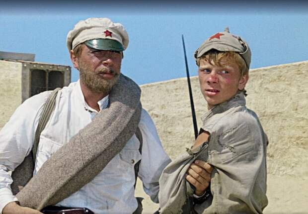 Анатолий Кузнецов и Николай Годовиков. Кадр из х/ф «Белое солнце пустыни», режиссер Владимир Мотыль, 1969 год.