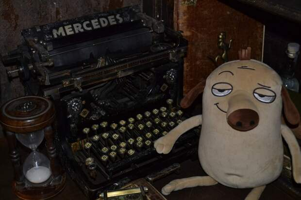 Как на пишущей машинке. Две хорошенькие свинки: Туки-туки-туки-тук! Туки-туки-туки-тук! и постукивают, и похрюкивают.