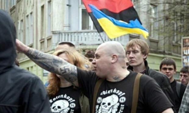 В Польше избили свидомого нациста, оравшего «Украина понад усе» в Варшаве