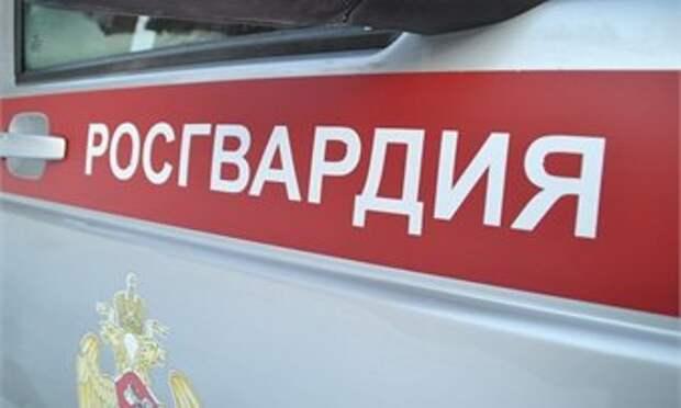 В Кирове ночью сильно избили 22-летнего парня