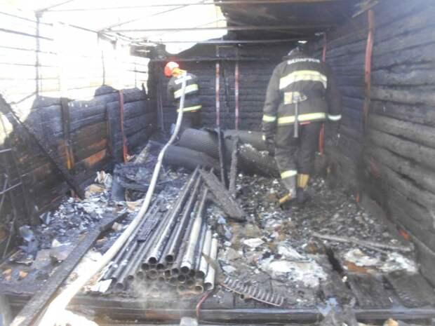 В СТ ´Приборист´ горел гараж.