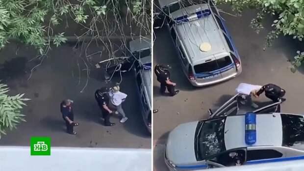 СК проверит жесткое задержание женщины в Москве