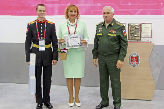 Суворовец из Бабушкинского представил лингвистическую разработку на форуме «Армия-2021»