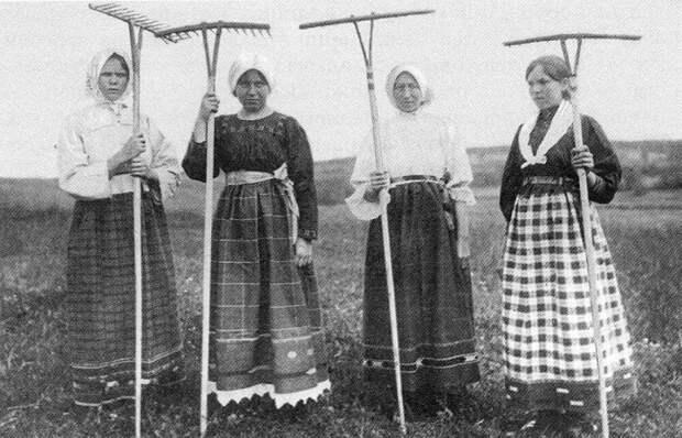 Как жили крестьянки в дореволюционной России, и почему выглядели в 30 лет на 40, а в 60 лет... тоже